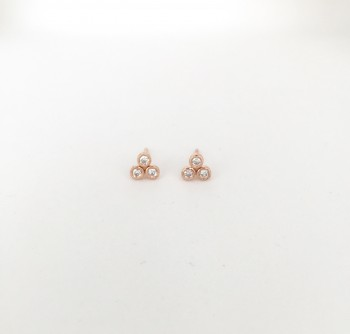 Clover bezel diamond stud earring